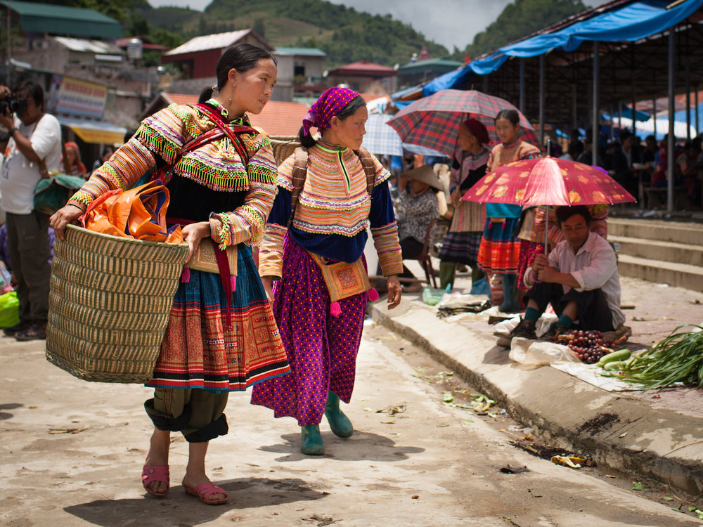 bac-ha-women-8.jpg