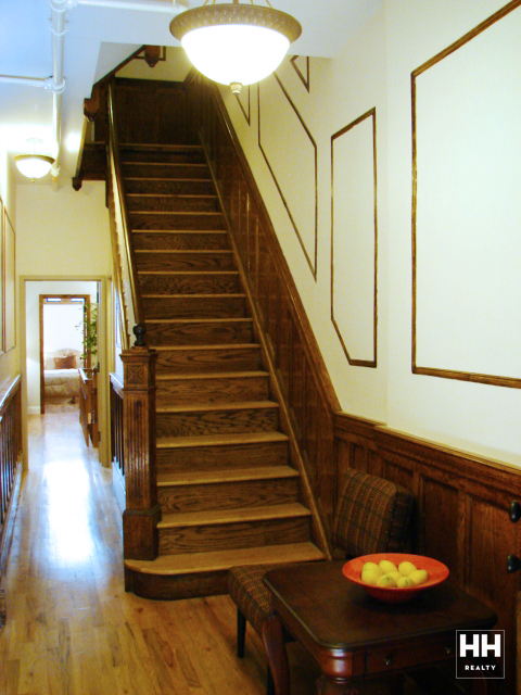 hh_235west1371_1R_stairs_2_gallery.jpg
