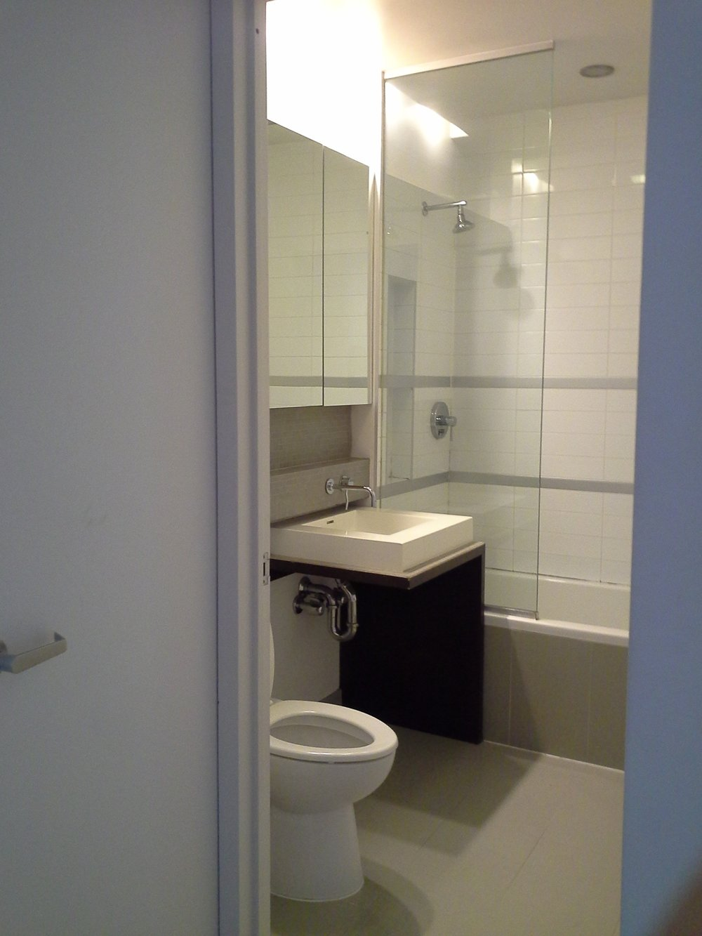 330e109 #4b bathroom.jpg
