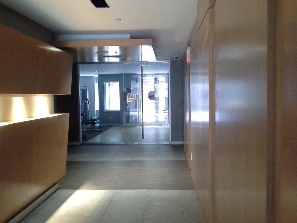 330e109 #4b building lobby.jpg