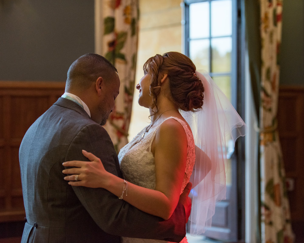 MR & Mrs Luke-499.jpg