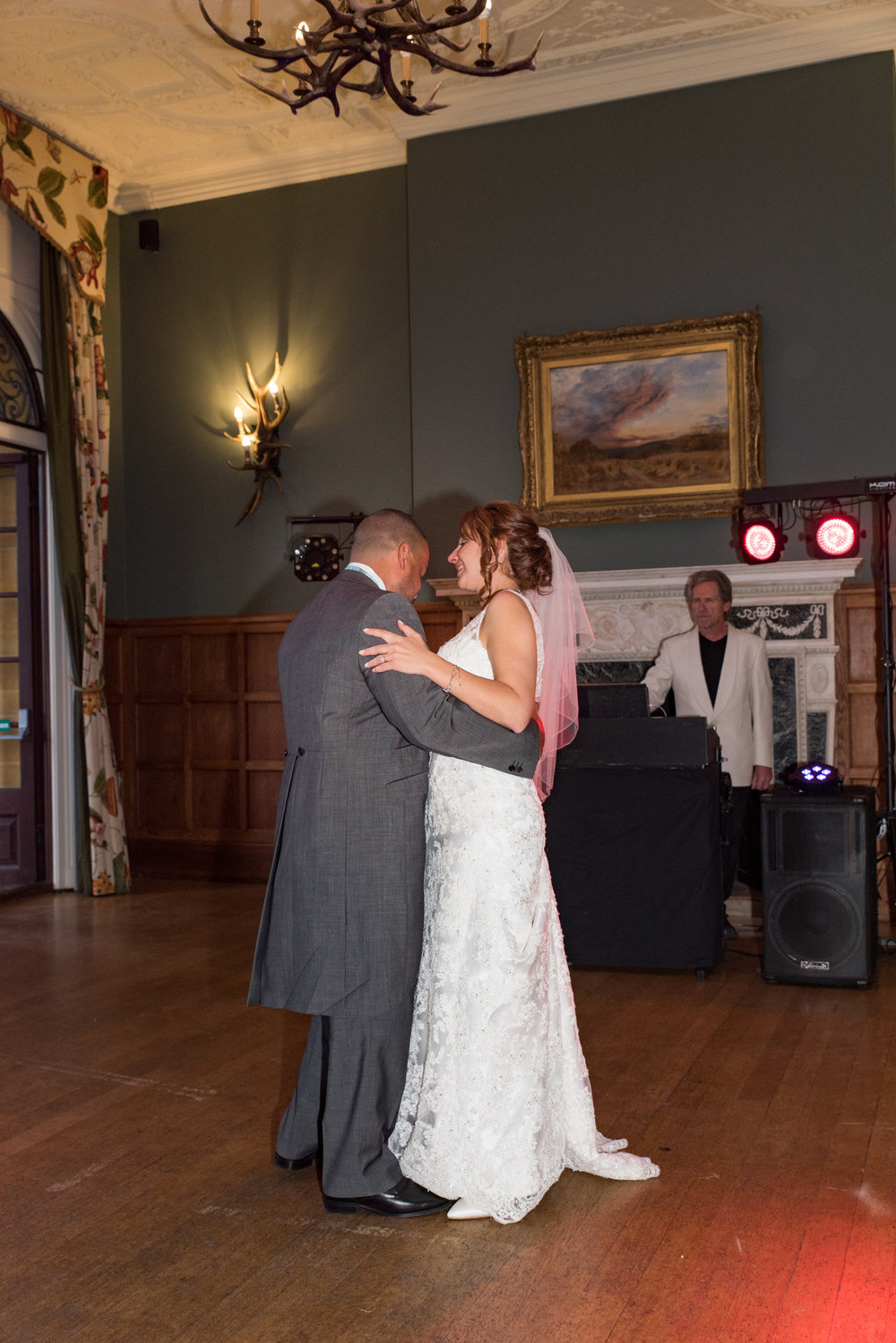 MR & Mrs Luke-500.jpg