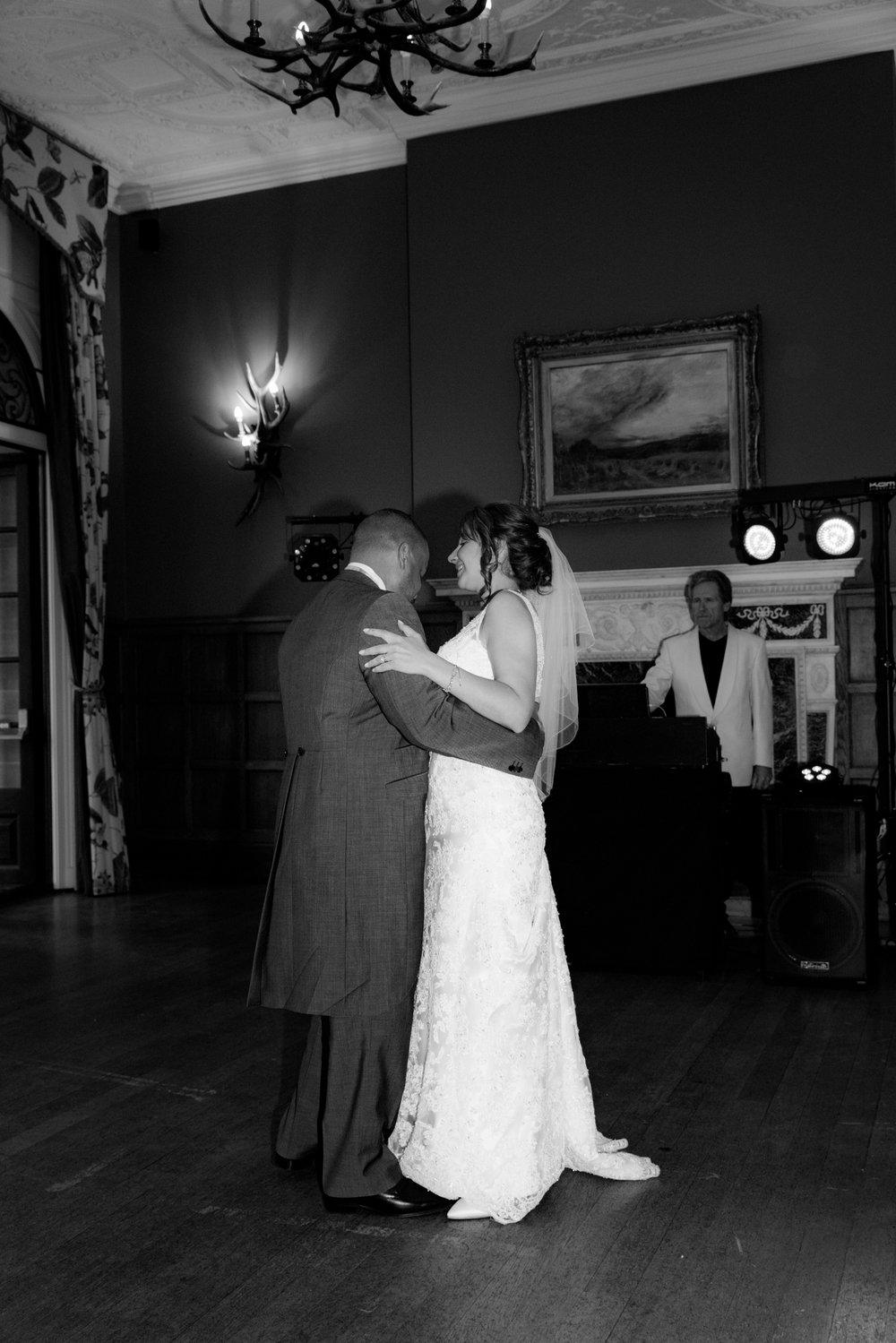 MR & Mrs Luke-501.jpg