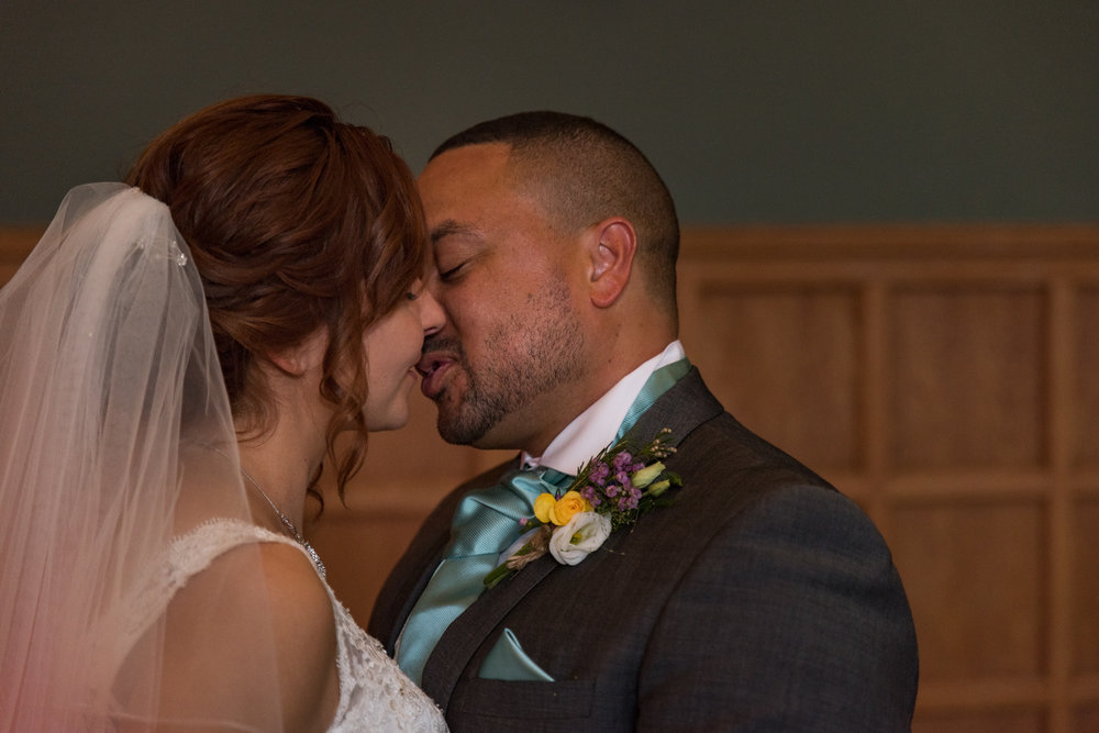 MR & Mrs Luke-511.jpg
