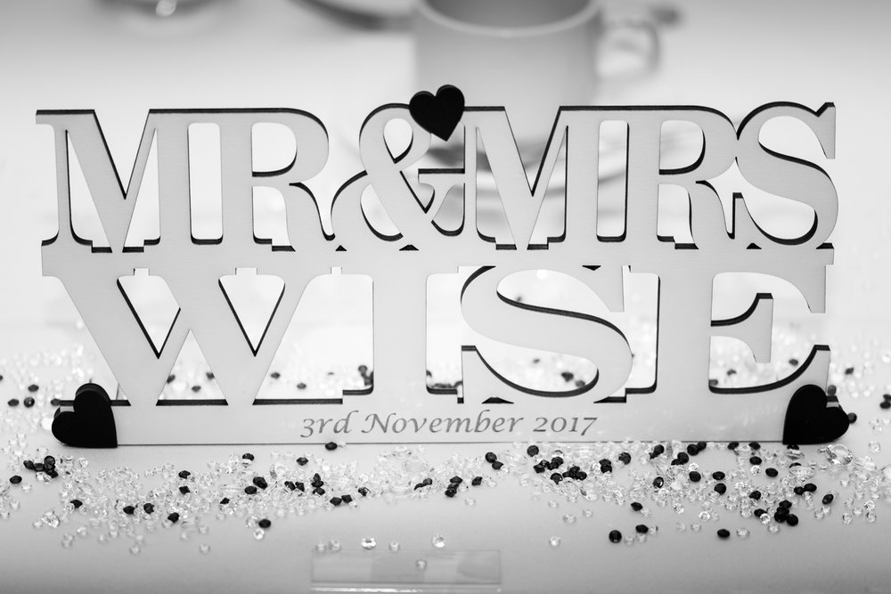 Mr & Mrs Wise-20.jpg