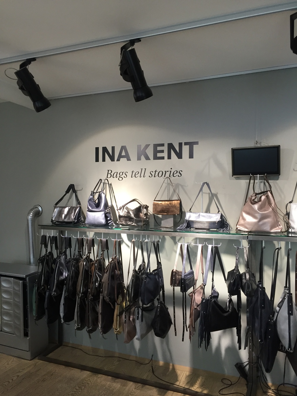 great bags - made and designed in Vienna! Visit INA KENT at Siebensterngasse 50, 1070 Vienna