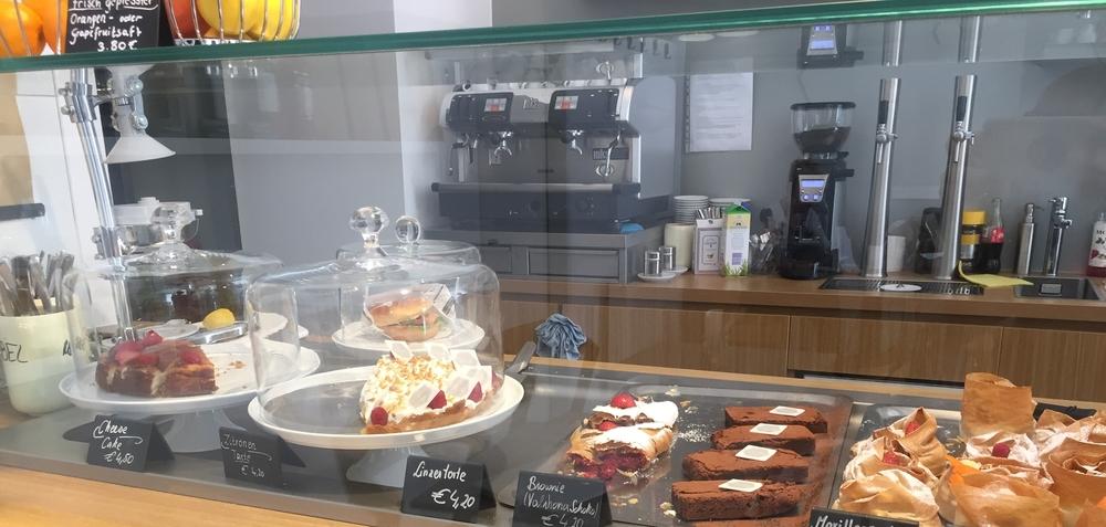 Cafe Strudls, S iebensterngasse 58.  1070 Wien