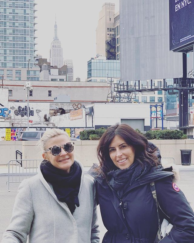 traveling to NYC together since 2009 ... it never gets old (but we do!) #fashiongirls #ellaandrubi #fringeyou #georgeginalucy #girlgang #nyc #memories