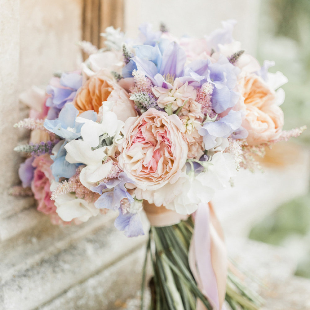 styling a PASTEL wedding
