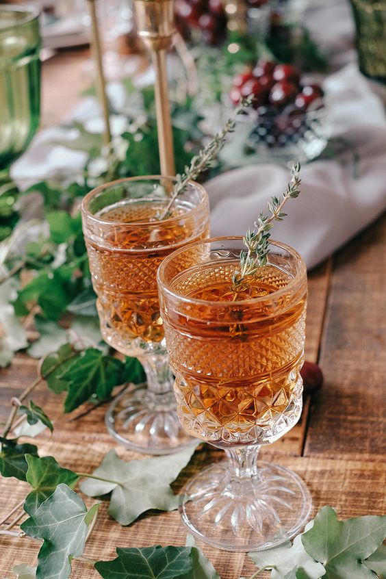 Winter Wedding Theme, Christmas Wedding Ideas, December Wedding Inspiration - Winter Cocktails.jpg