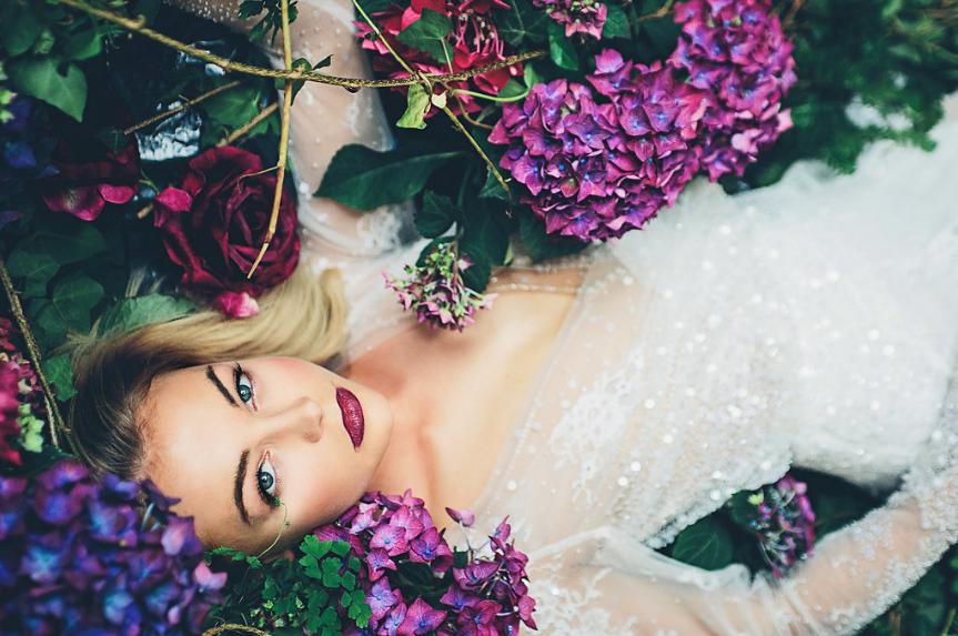 Aynhoe House Gothic Sleeping Beauty - Wedding Photoshoot 14.png