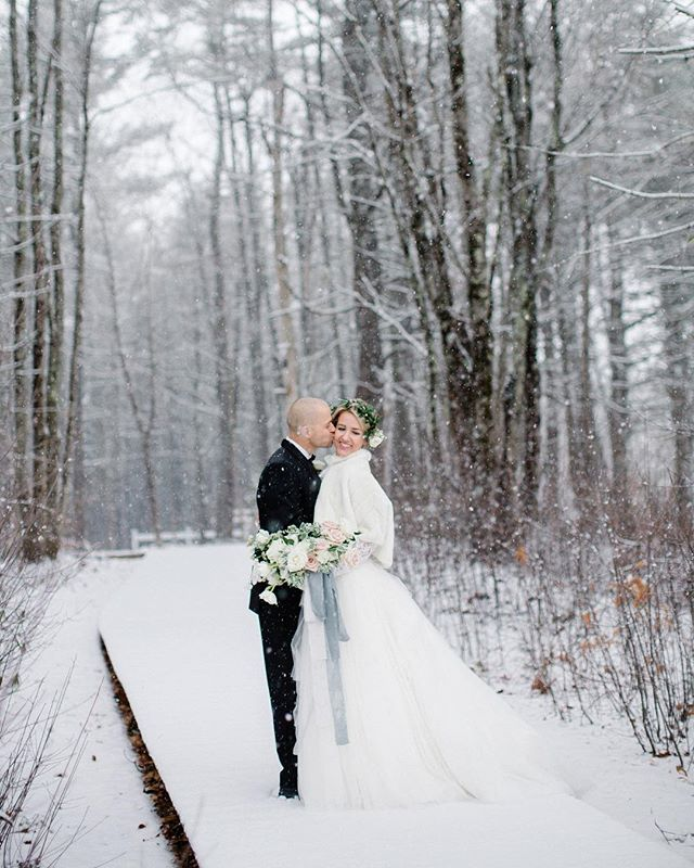 Yesterday's snow storm had me dreaming back to this shoot! ❄️ . . . #maineweddingphotographer #mainewedding #marryinmaine #mackenziepinettephoto #realmaineweddings #newenglandwedding #theknotnewengland #darlingworkshops #mainebride #nebrideinsta #newenglandweddingphotographer