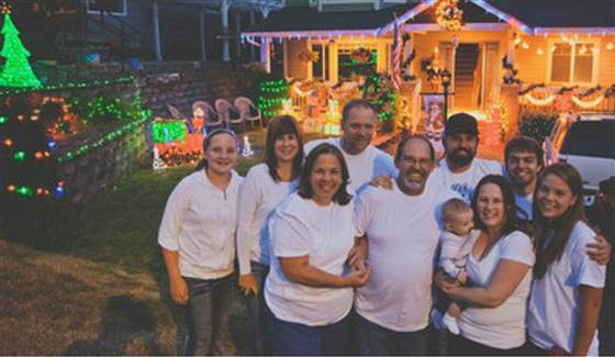 Evan Burgher Upon learning about the prognosis for Frank Henderson — a Christmas enthusiast — his neighbors in Shoreline, Washington, put up their own holiday decorations in September to show solidarity.