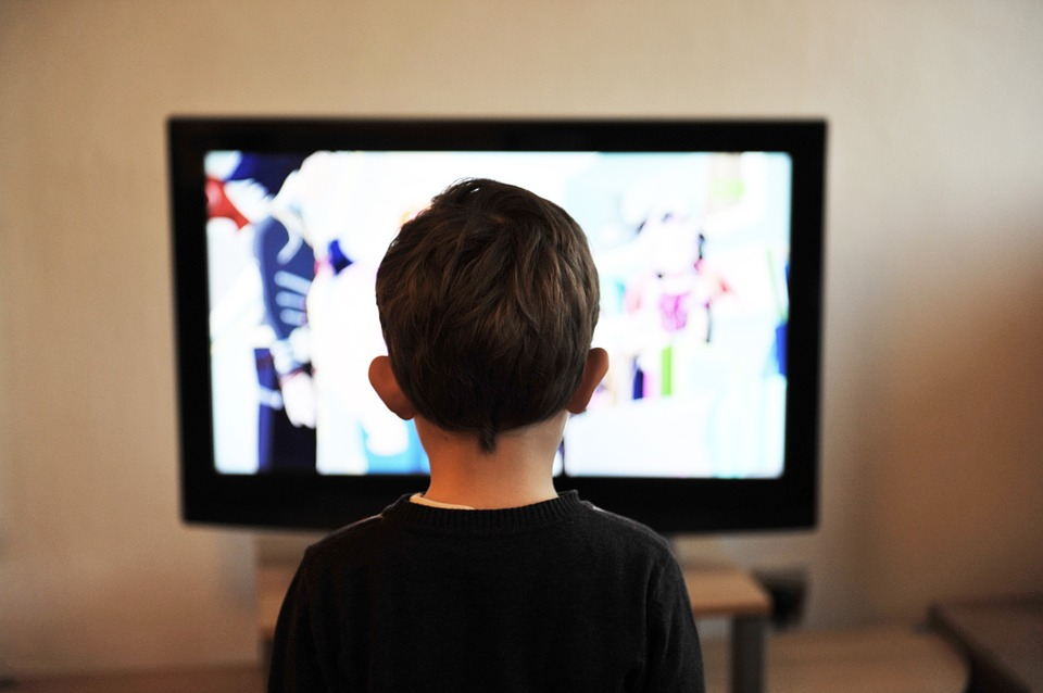 Encouraging Your Children Away From Phones & TV