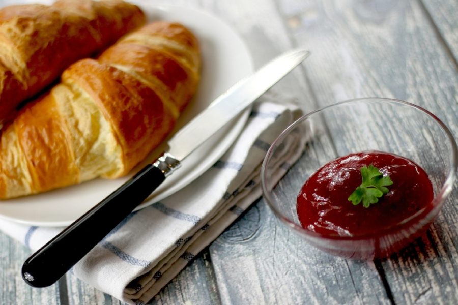 croissants-569075_1920.jpg