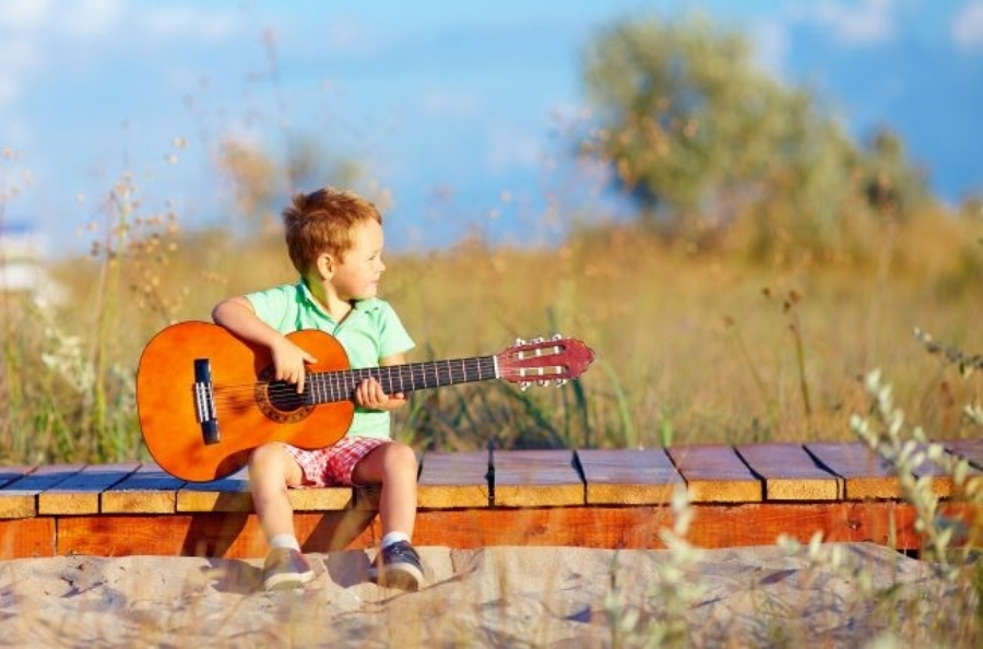 5 Good Reasons to Teach Music to Your Little Ones