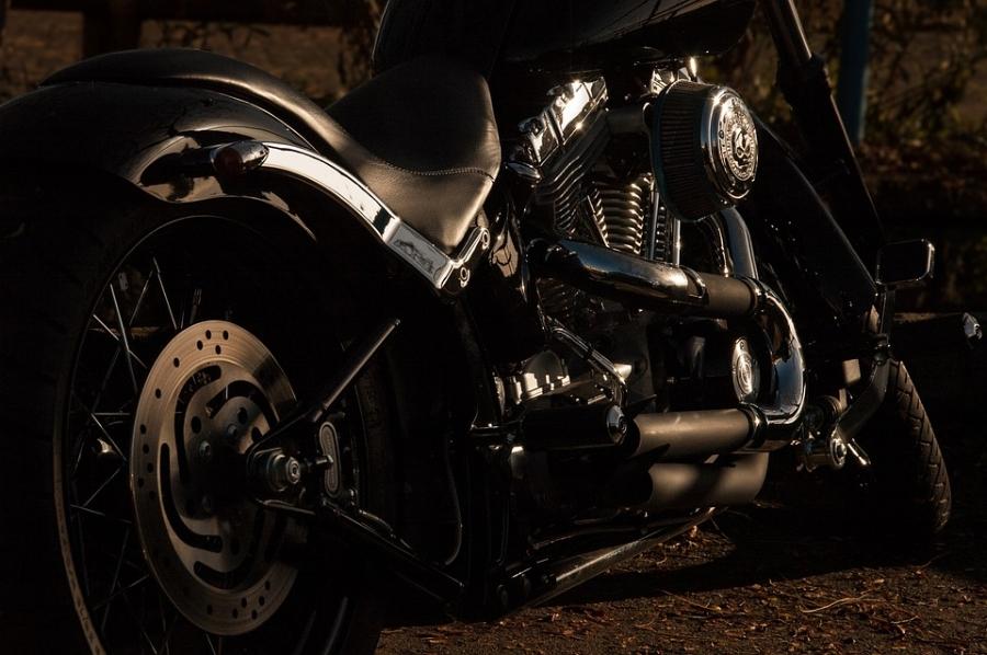 motorcycle-1148963_960_720.jpg