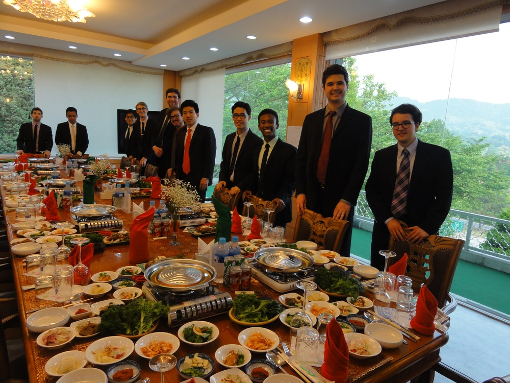 The Cats prepare to have dinner with the commander of the Republic of Korea Special Warfare Command