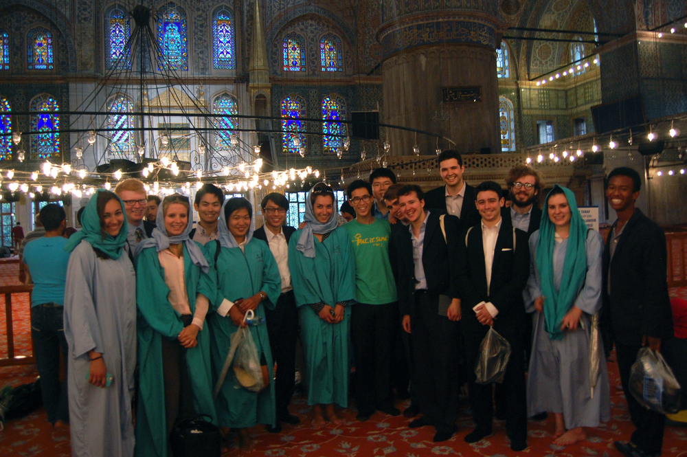 The Cats and the 2014 Bulldogs in Istanbul in the dazzling Blue Mosque