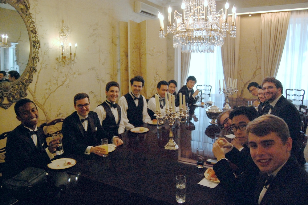 The cats enjoy a dinner in the US Embassy in Belgium