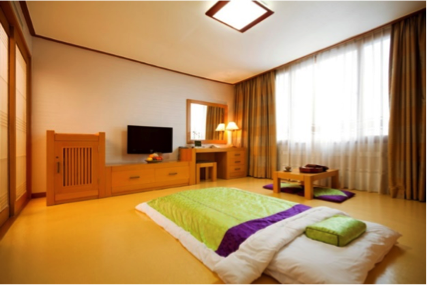 B: Superior Ondol (4 people/room) Price: 160 USD (165,000 KRW)