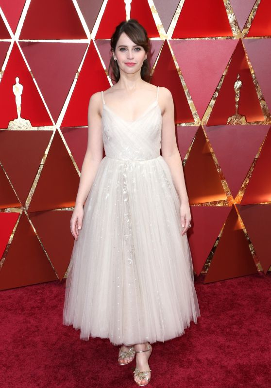Felicity Jones at the red carpet of the 2017 Oscars