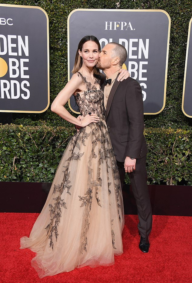 Leslie Bibb & Sam Rockwell at the 2019 Golden Globes