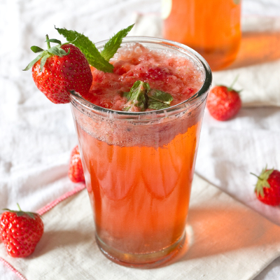 strawberry and cream cocktail gin