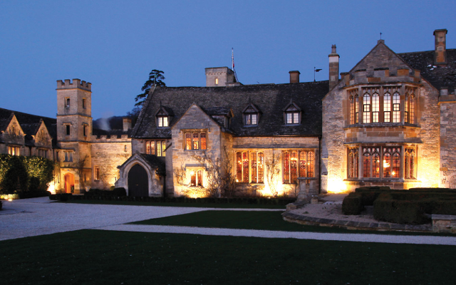 Ellenborough Park is the Cotswolds premier 5-star luxury hotel and spa. Situated in a converted Cheltenham racehorse estate, the hotel houses a top-notch spa and will organise activities such as hot air ballooning and picnicking for guests. It was named the UK's leading spa hotel in 2014.