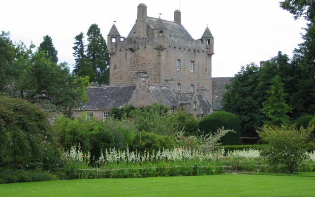 Does a ghostly couple creep in Cawdor Castle?