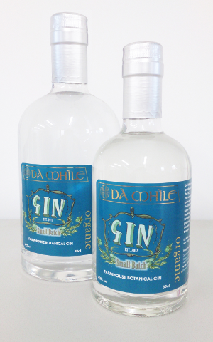 da mhile botanical farmhouse seaweed and orangic oak-aged gins