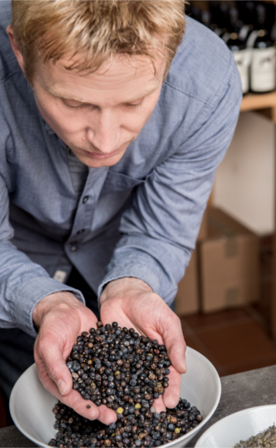 holger borchers master distiller botanicals