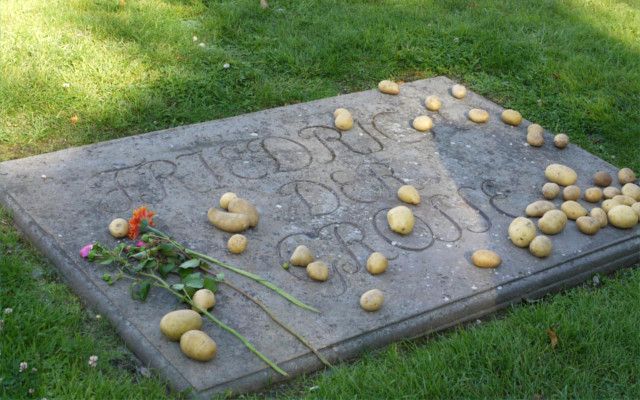 Potatoes are still left on Frederick the Great's grave to this day.