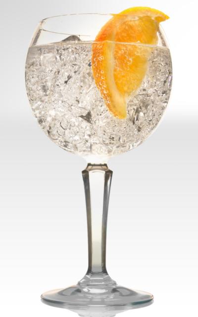 G&T gin and tonic orange slice
