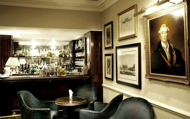 Dukes Bar Martini London Mayfair