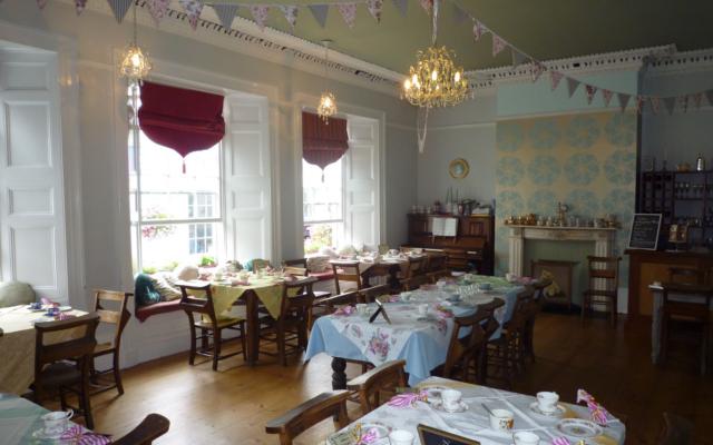 dolly's falmouth cornwall gin tea room
