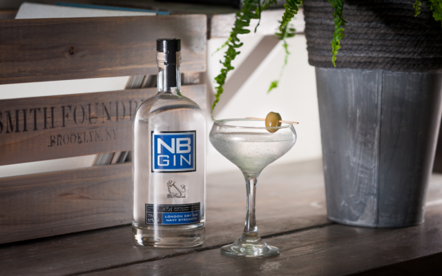 NB Navy martini gin