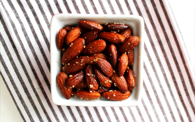 Almendras Pimenton Smoked Paprika Almonds Tapas with Gin and Tonic