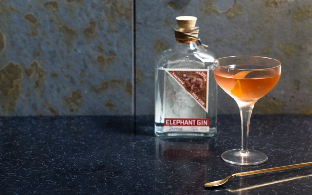 Elephant gin Golden Martini cocktail