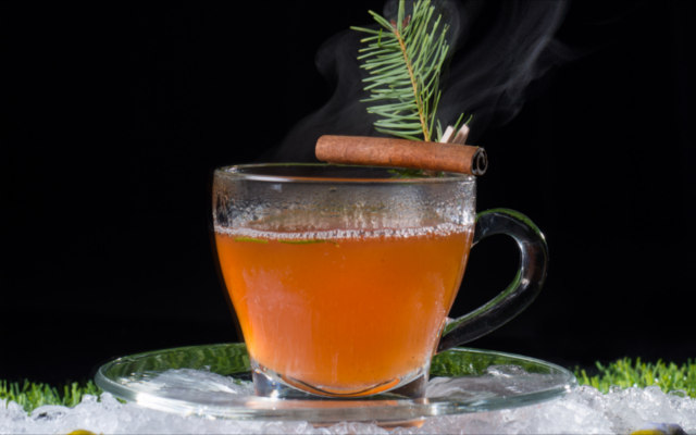 Glendalough gin hot toddy with cinnamon stick