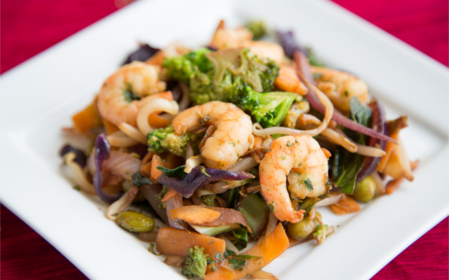 Super speedy stir fry with prawns and vegetables