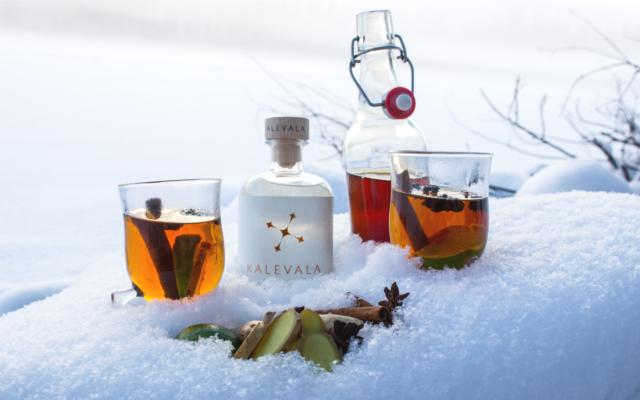 Gin ginger tea cocktail with kalevala