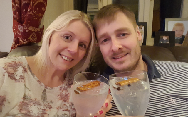 crossword champion winners drinking gin and tonics