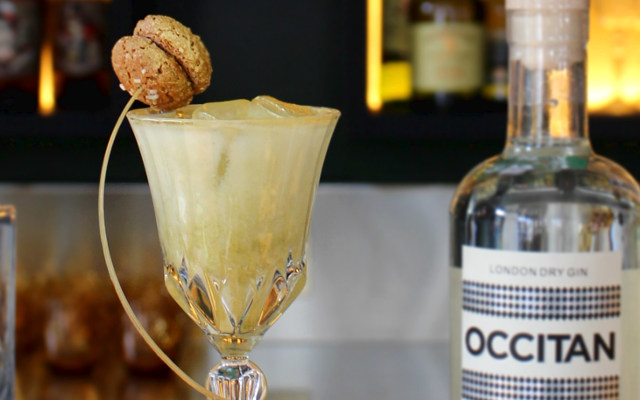 Occitan gin cocktail ritorno a-morbello with biscotti garnish