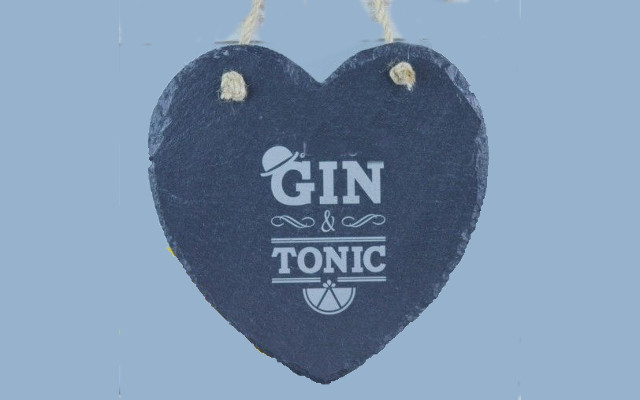 Love heart gin and tonic image
