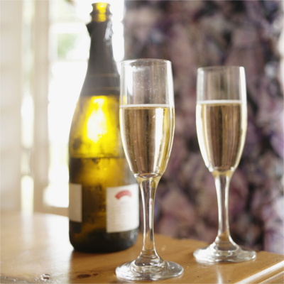 Warner Edwards Elderflower gin and prosecco fizz cocktail