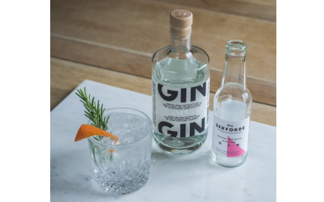 Sekforde gin mixer with Napue Gin and Orange and Dill Garnish