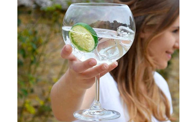 Giant Gin Copa Glass