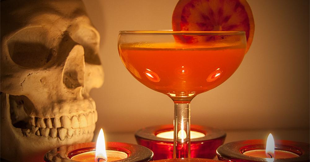 Halloween gin cocktail