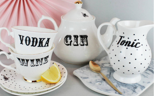 Gin, wine, vodka tea set